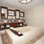 Sea Traditions Spa Suite Bathroom