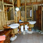 out door bathroom Beach bungalow
