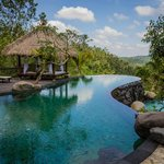  The stunning main infinity pool