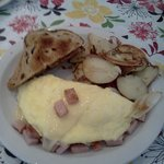 Ham & Cheese Omelet, delicious breakfast potatoes!