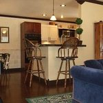  Living Room &amp; Kitchen in Separate Carriage House Suite