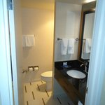  King room, bathroom