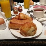 Breakfast at Hotel de Lutece
