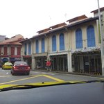  The neighborhood around the hotel - Little India