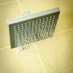 Powerful drench showerheads