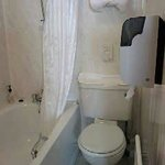 En-suite bathroom room 209
