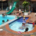  PISCINA ADULTOS Y NIOS