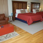  The Quinte Suite has two beautiful queensize beds and a private balcony.