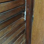  Bent closet sliding door