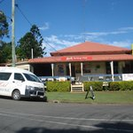 Kandanga Hotel and courtesy bus.