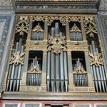  Pipe organ with angles