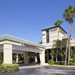 Welcome to the DoubleTree by Hilton Hotel & Executive Meeting Center Palm Beach Gardens!