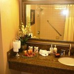  Premier Guest Suite Vanity (New 2009)