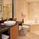  Suite Master Bath