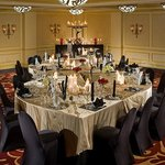  Intimate Dinner Reception at Hamilton Crowne Plaza
