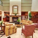 Holiday Inn & Suites Oakville @ Bronte Lobby