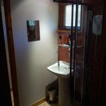  Glenmorangie Lodge - Bathroom