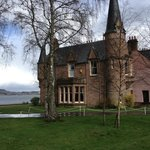  Bunchrew House with the Loch in the background