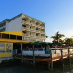Shuckers Dockside Bar & Grill Foto