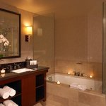  Dana Point Suite Bathroom