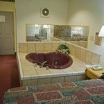  Jacuzzi Room 2