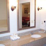 Jacuzzi Suite Guest Bathroom