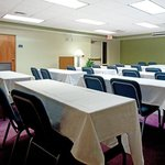 Meeting Room 800 Sq Ft. an Attentive Staff & Great Cost
