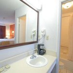  1 Bed Guest Bathroom