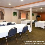  RAMADA Banquet Room