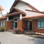  Hauseingang Massage Hospital