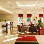  The contemporary lounge and lobby at our Swindon hotel