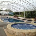  area de piscina y jacuzzi