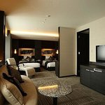  Crowne Suite