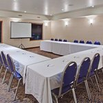  Holiday Inn Express &amp; Suites Swift Current U-Shape Meeting