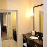 2 Room Suite Bathroom