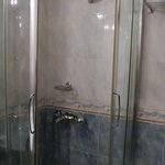  REGULAR SUITES Showerbooth