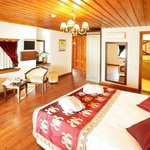 Deluxe Double/Twin Triple Room