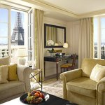  Eiffel Premier Suite