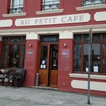 Au Petit Cafe