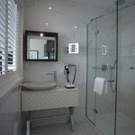  Bath Room