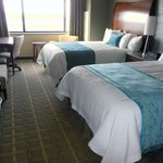 2 Queen Beds City or River View