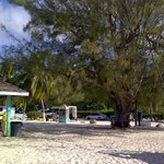  Beach access and cabanas/huts