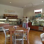 Elliott's Bakery & Cafe