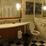 Well appointed bathroom with aromatherapy amenities