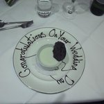  Personal touch for the bride&#39;s dessert!