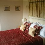 Room - small &amp; needing a refurb!