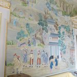 The hand-painted chinese wallpaper: don't touch!