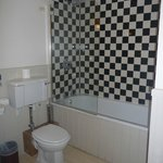 En-suite bathroom to standard double room