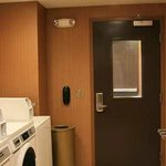 Hampton Inn & Suites Bakersfield, Califnia hotel laundry room