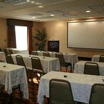 Hampton Inn & Suites Bakersfield, Califnia hotel meeting room